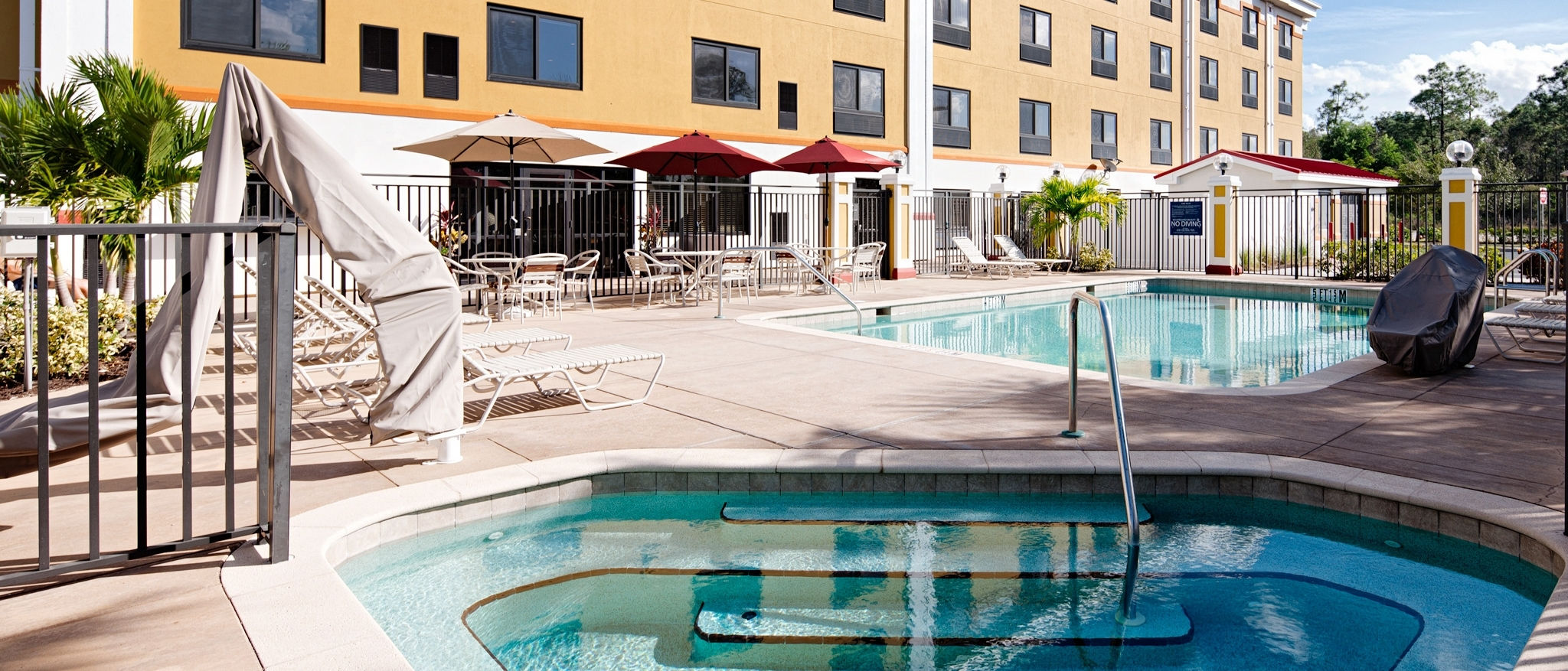 Four Points by Sheraton Fort Myers Airport - Pool
